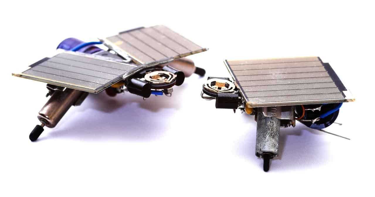 miniature-robots-3-1561896-1279x671